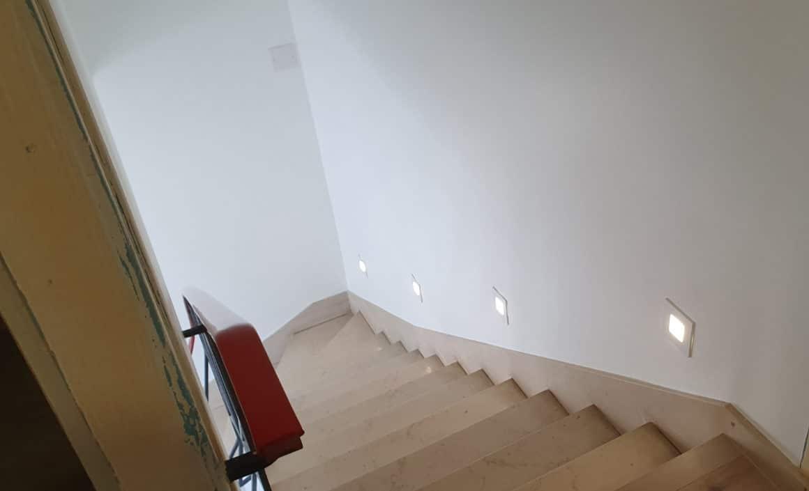 renovation-escaliers-lumiere-haut